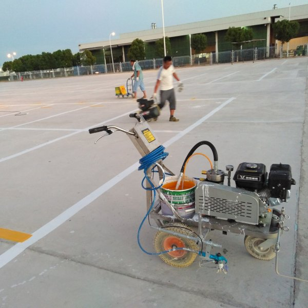 超大型停车场划线